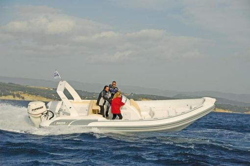 photo essai bateau pneumatique : 780 Open FB Master