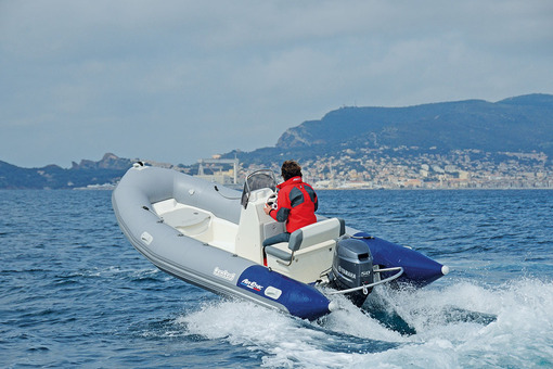 photo essai bateau pneumatique : Air'Ethic 500 Bombard