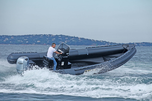 photo essai bateau pneumatique : 750 Diving Master
